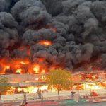 Emiratos Árabes Unidos: Se reporta un gran incendio en un mercado de Ajman