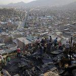SJL: incendio de proporciones consume viviendas en la avenida José Carlos Mariátegui