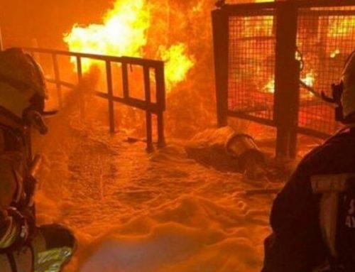 Perú comienza a vacunar a los bomberos contra la covid-19