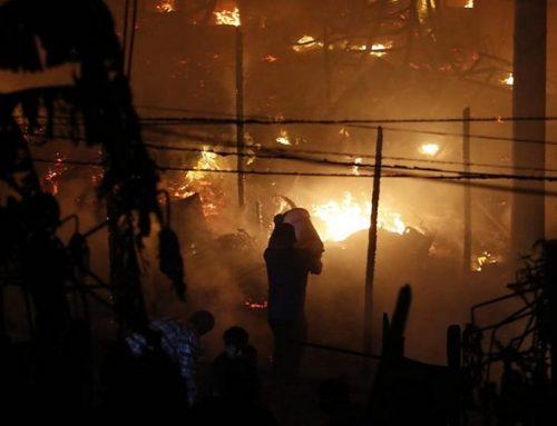 Bomberos controlan incendio que se registró en zona comercial de Cantagallo en el Rímac